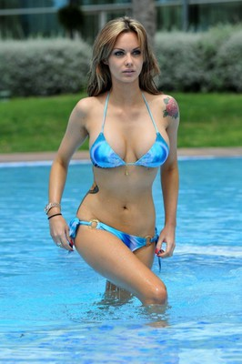 Nuts Model In Hot Bikini - 00