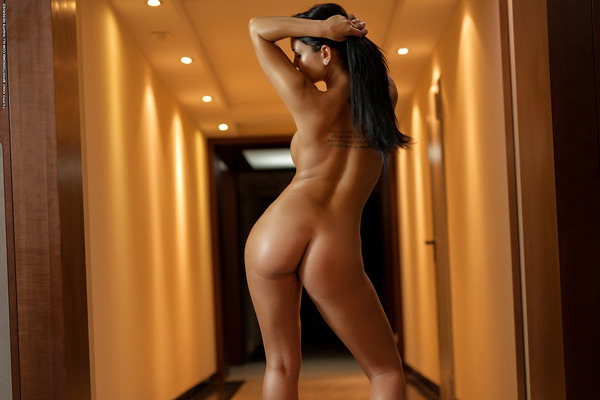 Hotel Nudes - 04