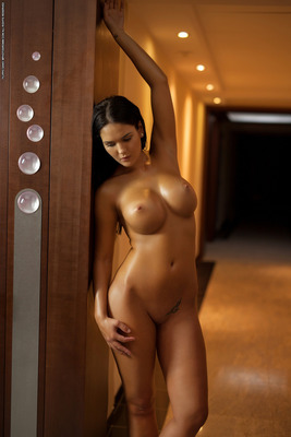 Hotel Nudes - 08