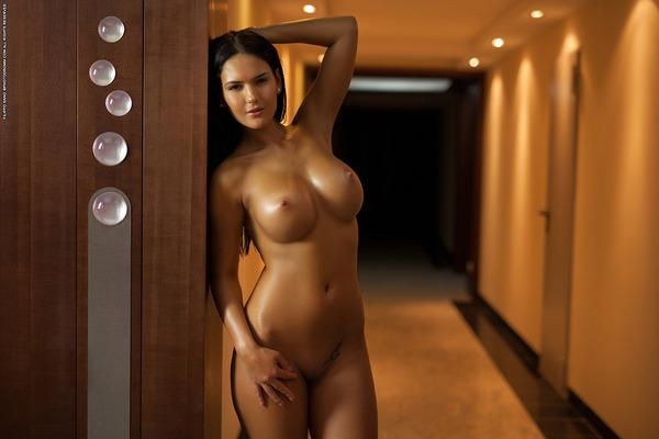 Hotel Nudes - 09