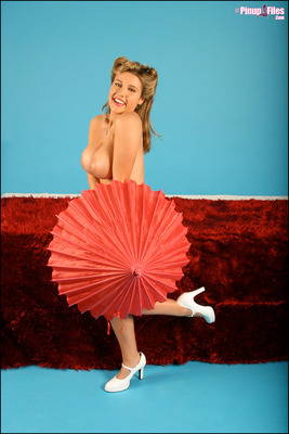 Classic Curvy Pin-Up Body - 10