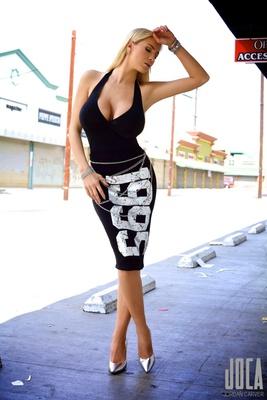 Tight Black Dress - 00