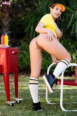 Hottest Hot Dog Babe - 07