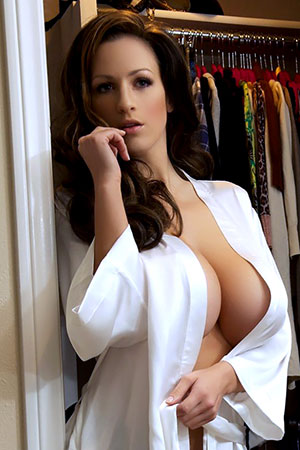 Jordan Carver in 'Gardrobe' via Action Girls