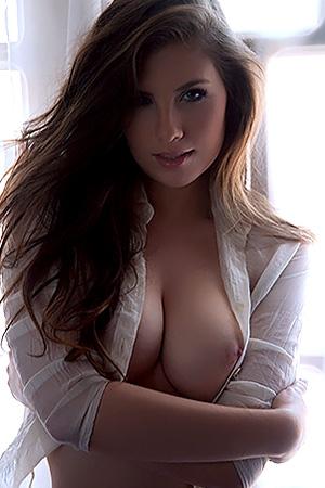 Anielly Campos in 'Sensual' via Bella Club