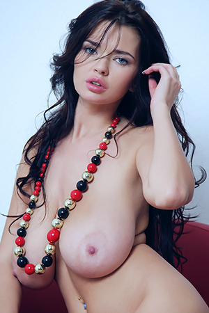 Sha Rizel in 'Big And Bouncy' via