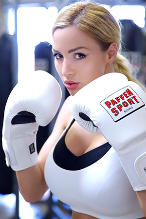 Jordan Carver in 'The Luckiest Box Trainer On Earth' via