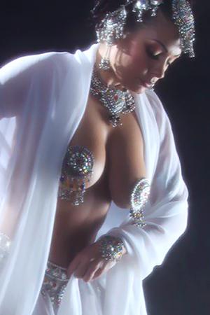 Aria Giovanni in 'Mata Hari Mist' via