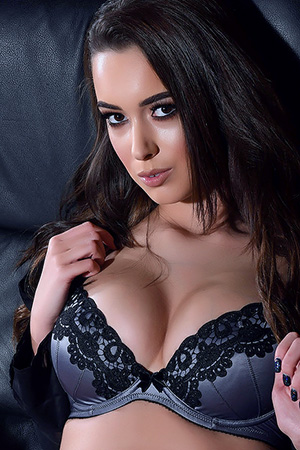 Lauren Louise in 'Busty Newbie' via Lauren Louise Official