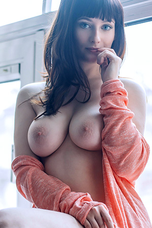 Jessicalou in 'Cute And Curvy' via Suicide Girls