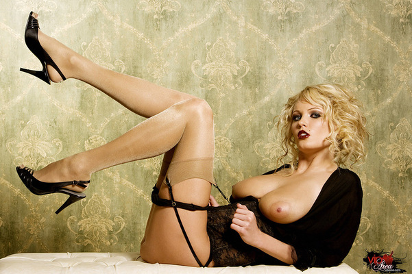 Curly Blonde - 11